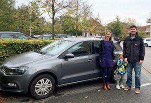 Julie en Lennart delen een wagen via particulier autodelen